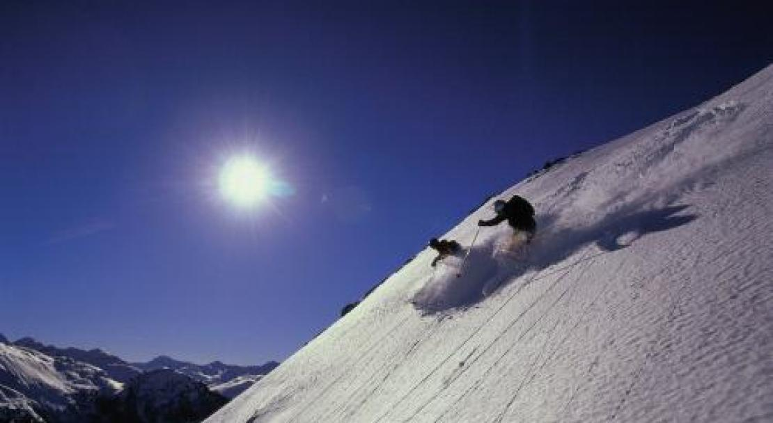 Skiing in Sun in Davos, Switlzerland; Copyright: Robert Boesch