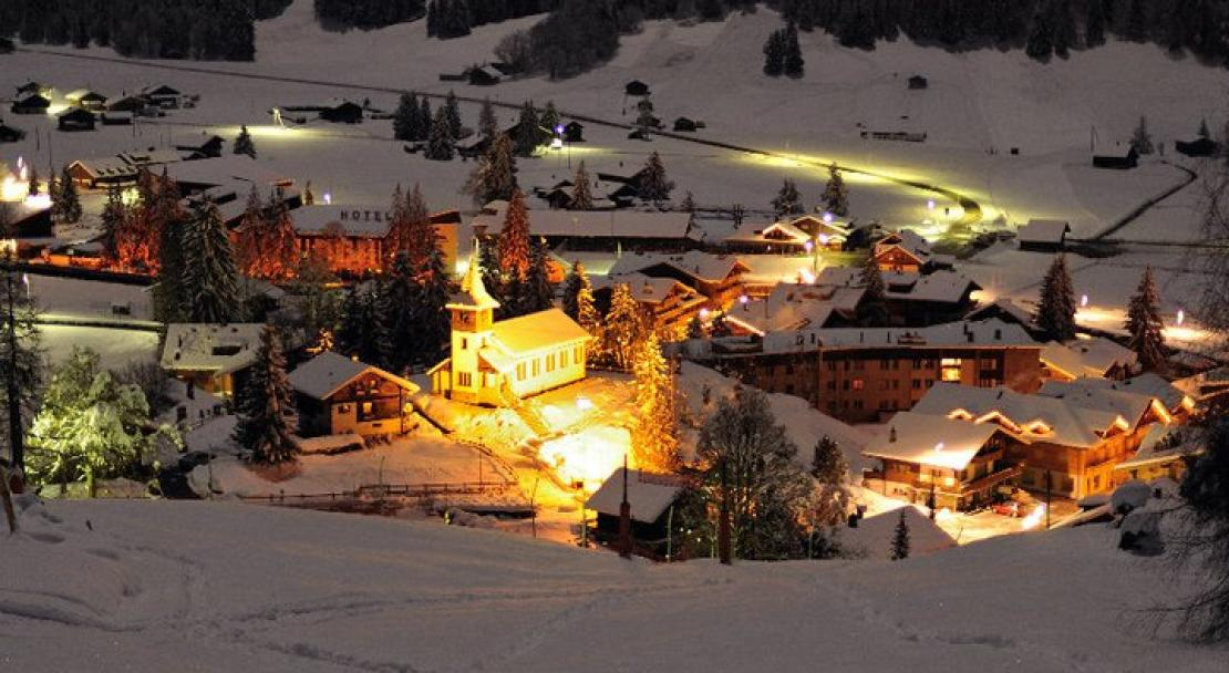 Lit up at night - Les Diablerets - Switzerland; Copyright: Les Diablerets Tourist Office