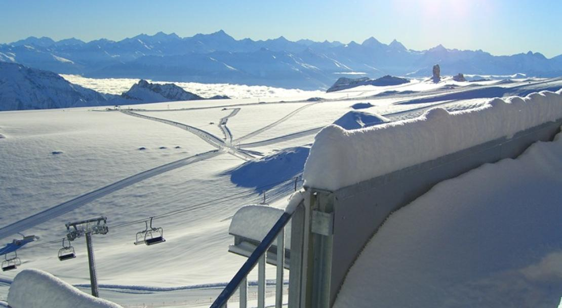 Beautiful views over Les Diablerets - Switzerland; Copyright: Les Diablerets Tourist Office