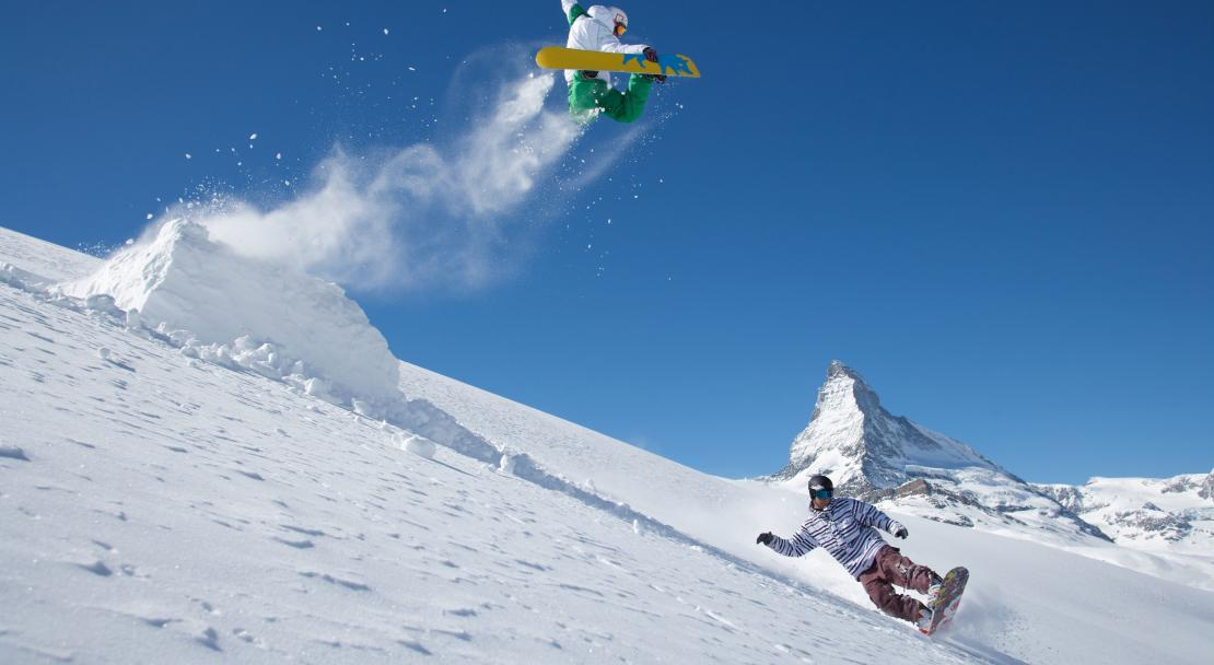 Snowboarders in Zermatt; Copyright: Mark Weiler