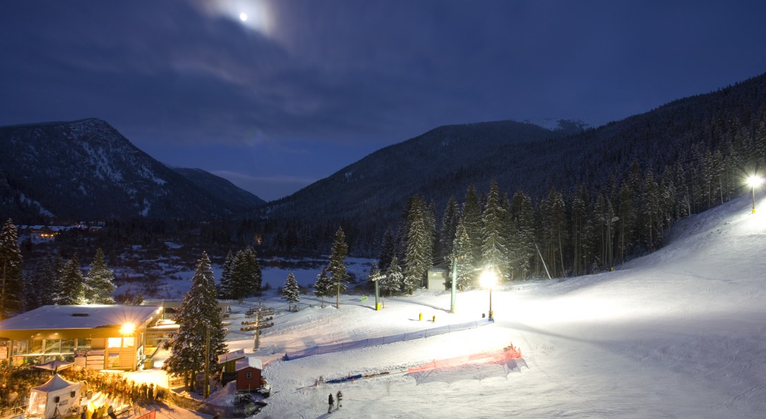 Bright lights in Keystone; Copyright: Chad Schmidt