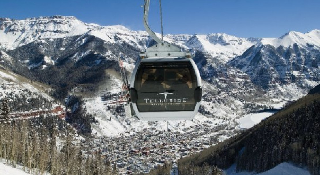 The gondola and the town; Copyright: Doug Berry - Telluride Tourist Office