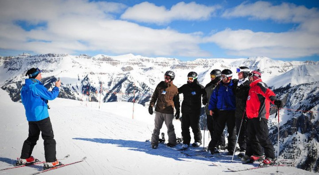 Posing for a photo in Telluride; Copyright: Merrick Chase - Telluride Tourist Board