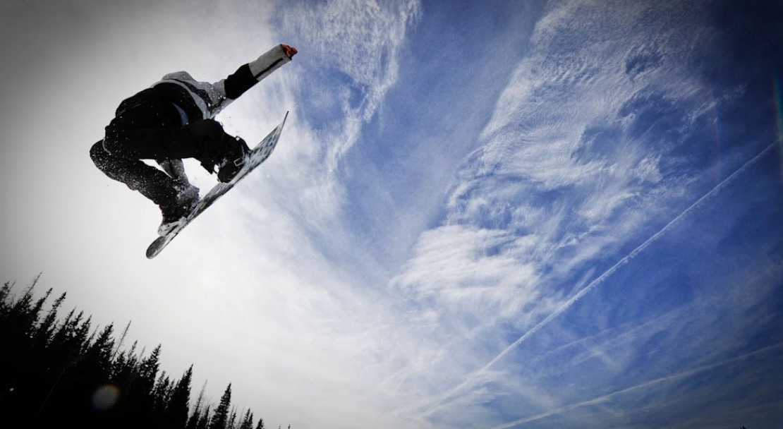 A snowboarder in Telluride; Copyright: Merrick Chase - Telluride Tourist Office