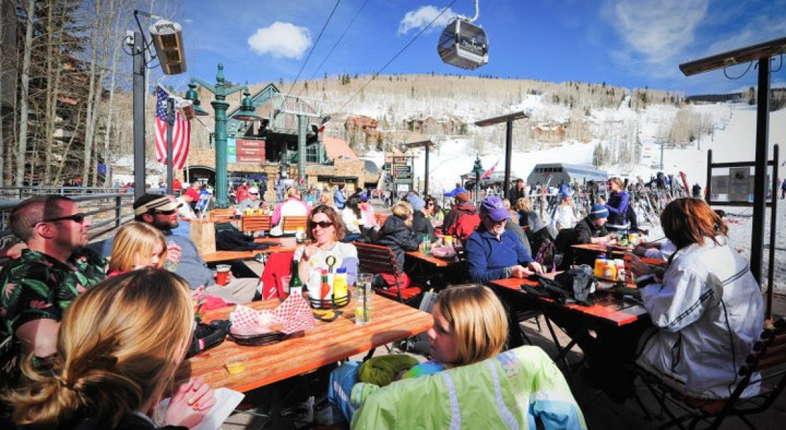 Enjoying some apres in Telluride; Copyright: Telluridephotography.net
