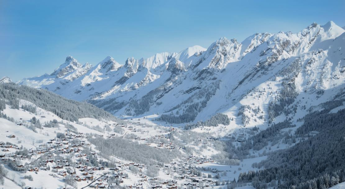 Fantastic view over La Clusaz; Copyright: Greg Dieu