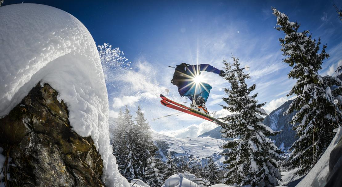 Ski off-piste in la clusaz; Copyright: David Machet