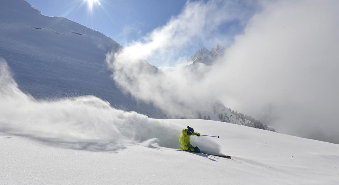 Skiing in La Clusaz; Copyright: David Machet