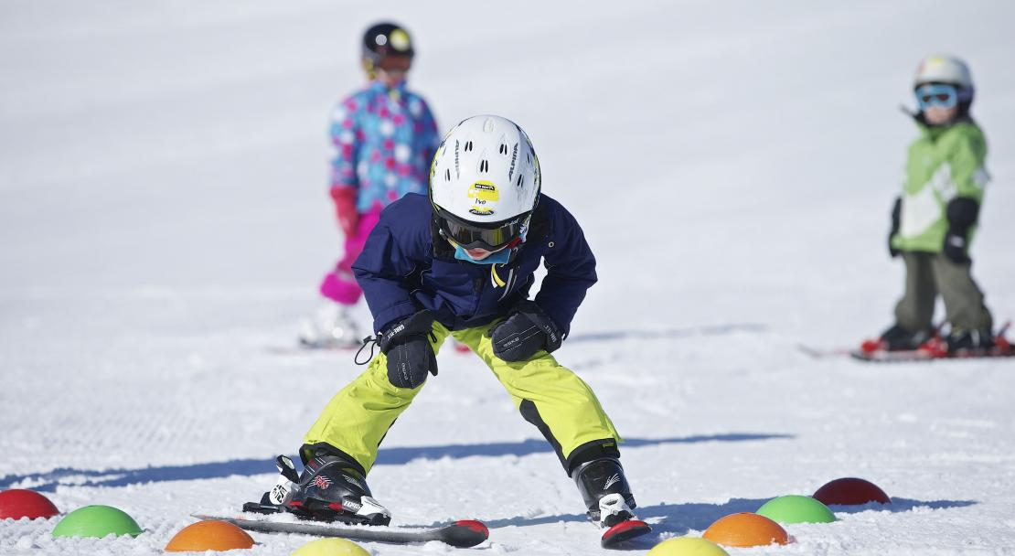 Kids learning to ski in Films Laax