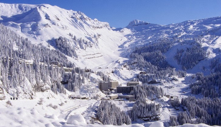 The sunny and snowy bowl of Flaine