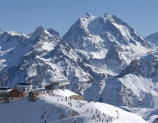 Skiing in Meribel; Copyright: JM Goueda