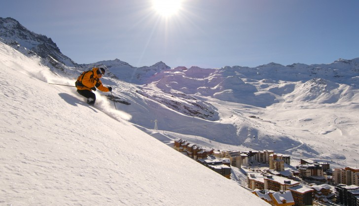 Powder above the town of Val Thorens