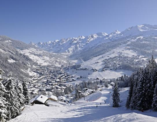 La Clusaz Piste Maps and Ski Resort Map PowderBeds