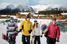 Lake Louise is popular for beginners with its friendly ski school, well located nursery area and good progression slopes
