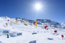 Located on the plateau of Val Thorens is its snow park with features to progress and develop freestyle for all levels