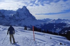 Beginners will enjoy the centrally located nursery slopes, flat practice runs and Wengen's ski school facilities