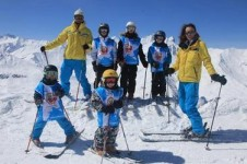 Take a lesson from the ESI ski school who will show you all the secrets and suitable terrain in Valloire for your ability