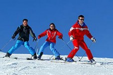 With its un-daunting ski slopes and friendly ski schools Vars is a good place to learn to ski