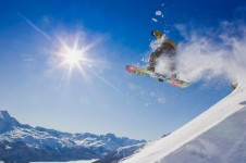 Take advantage of the St Moritz snowparks and its extensive free ride terrain