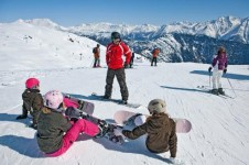 The quiet beginner runs and well rated ski schools make Saas-Fee a good first timers resort