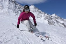 Cruise Saas-Fee's gentle, long and open pistes