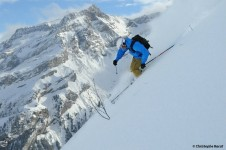 Cruising down the slopes in Les Diablerets - Switzerland; Copyright: Les Diablerets Tourist Office