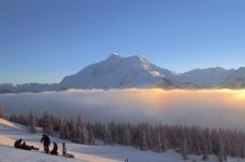 Snowboarding paradise- riding into the cloud blanketed resort of La Rosière