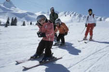 With its top quality ski schools and ideally located ski slopes, beginners have great opportunities to learn a new snowsport