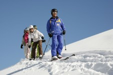 Improve from intermediate to advance with a Swiss ski school lesson