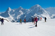 Beginners skiing in Murren, Swtizerland