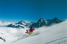 Advanced skiing in Murren, Swtitzerland