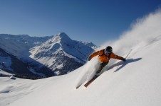 Advanced skiers have lots to explore with around 12 black runs and lots of off-piste to explore.