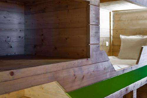 Bunk-beds in family suite XL + children Hotel Ormelune Val d'Isere; Copyright: Gilles TRILLARD