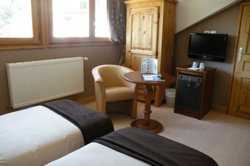 An example of a double room at the Hotel Gourmets and Italy in Chamonix