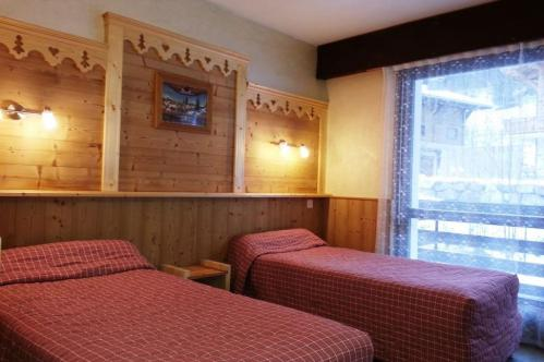 Hotel Soly - Twin bedroom - Morzine