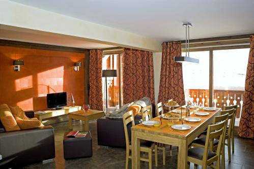 Village Montana Val Thorens warm comfortable bright 4 bedroom apartment sleeps 8