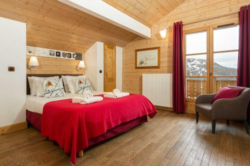Double Bedroom - Les Chalets de L'Altiport - Alpe d'Huez
