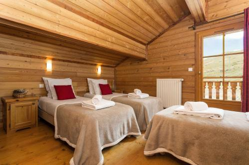Triple Bedroom -  Les Chalets de L'Altiport - Alpe d'Huez