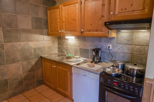 Kitchen in a 2 Person Apartment - Les Balcons de Val Thorens