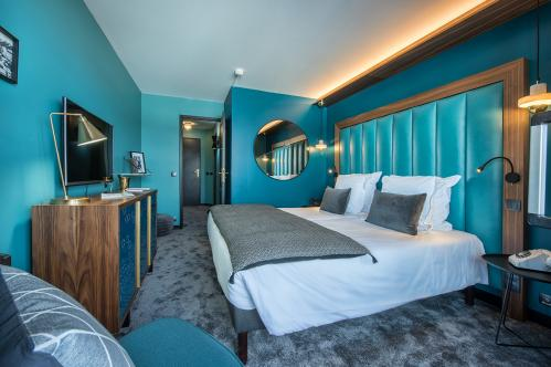 Double bedroom at Fahrenheit 7 Courchevel; Copyright: foudimages