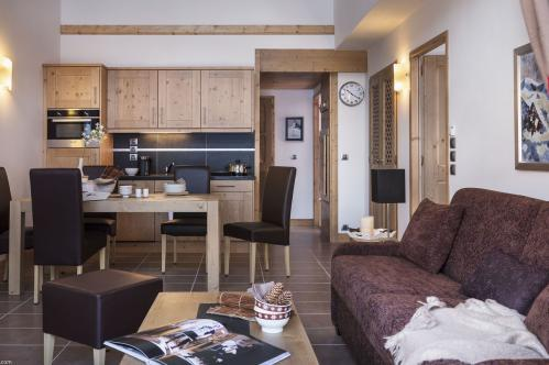 LIving room lounge kitchen Chalet Belle Piste Jouvence CGH