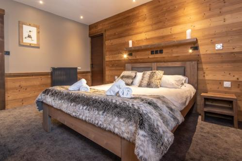 Twin Bedroom Chalet Altitude Val Thorens