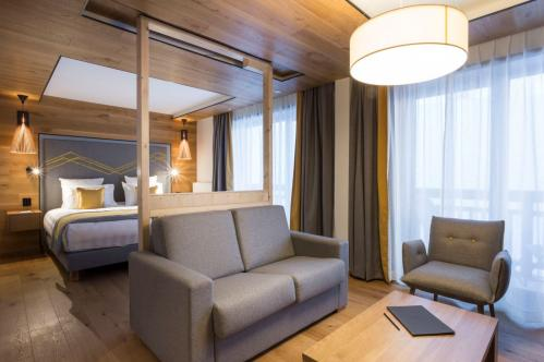 Alparena Family Junior Suite overview; Copyright: Les Balcons