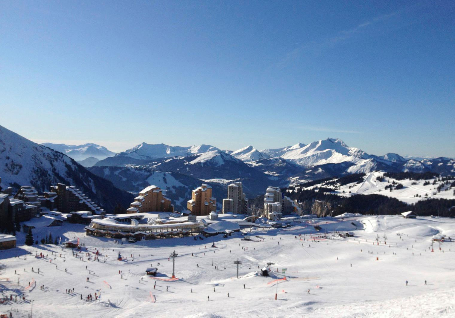 avoriaz ski resort family ski holidays review powderbeds