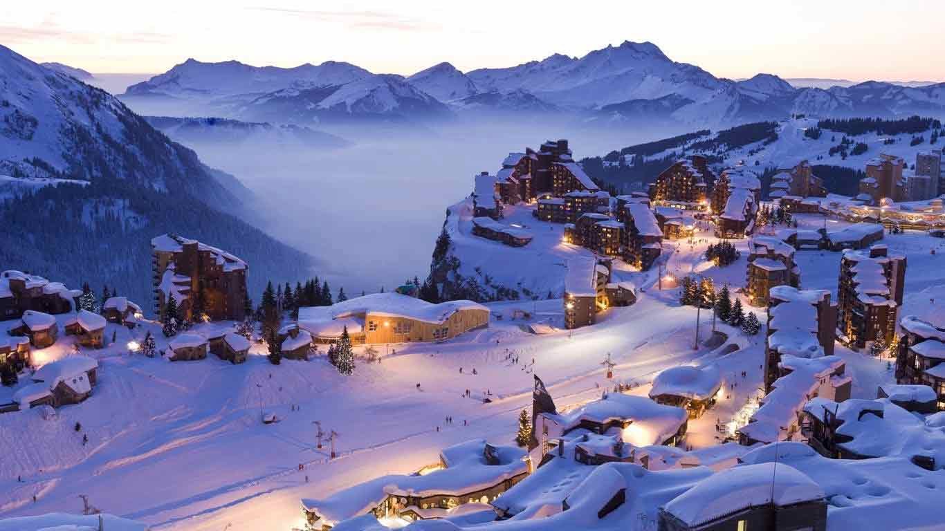 The best family ski resorts in france powderbeds for Lodges in france