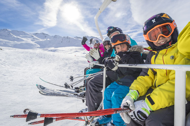 Kids skiing in Val Thorens