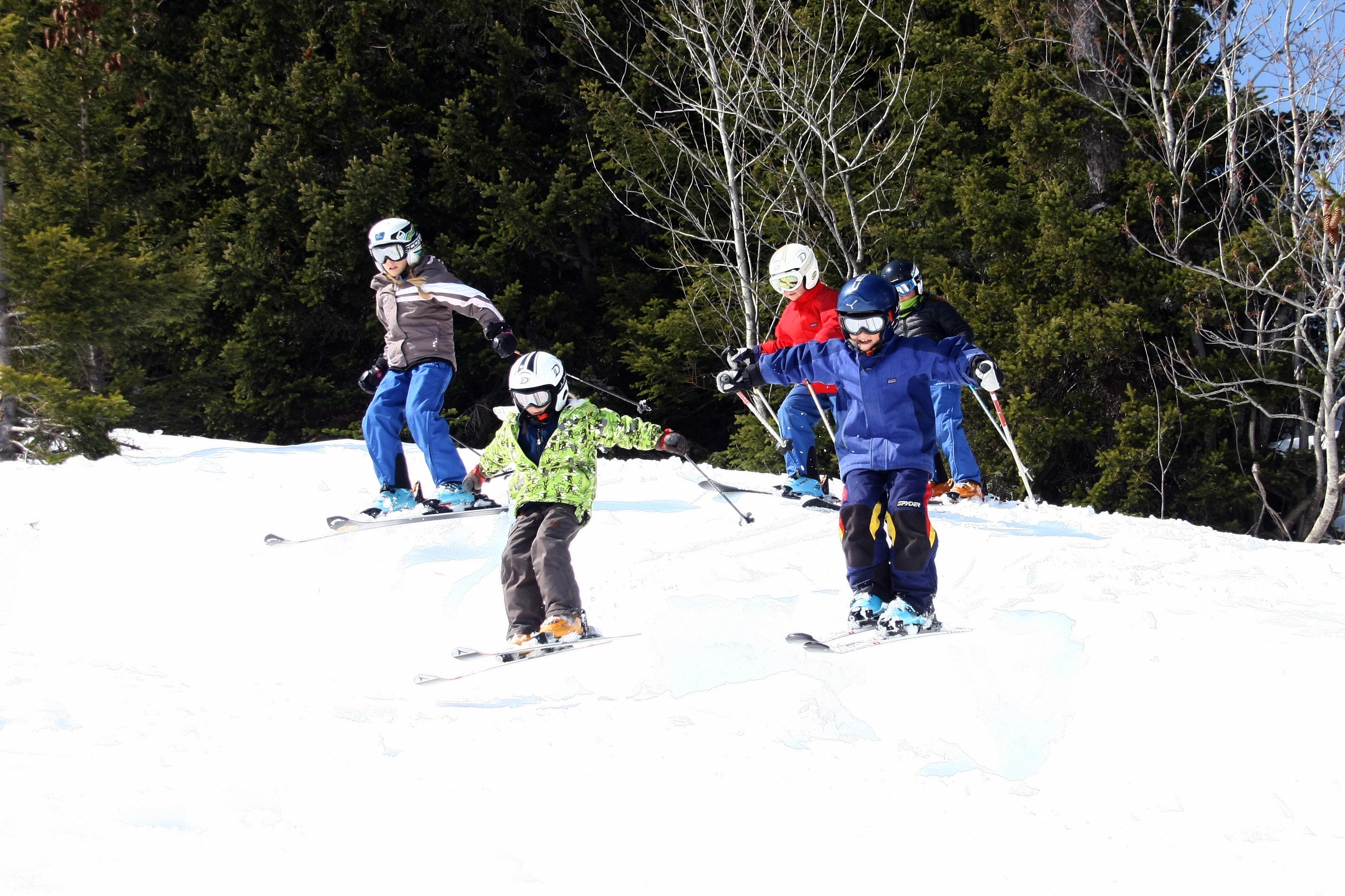 Children skiing in Flaine