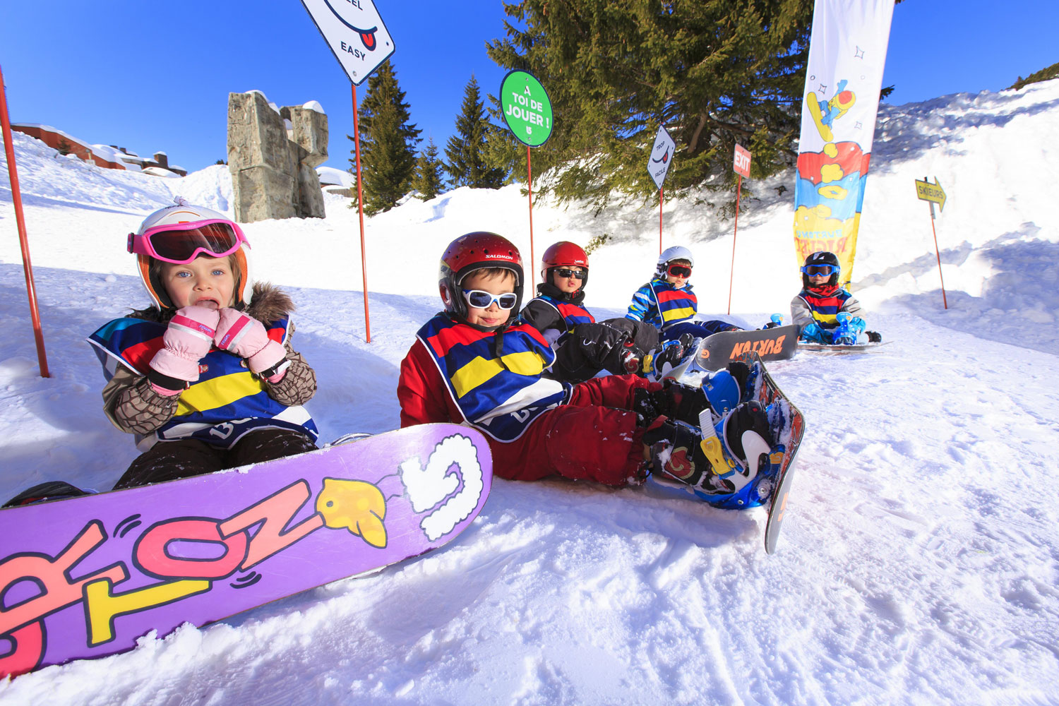 Kids Learning to snowboard in Avoriaz - Pascal Gombert