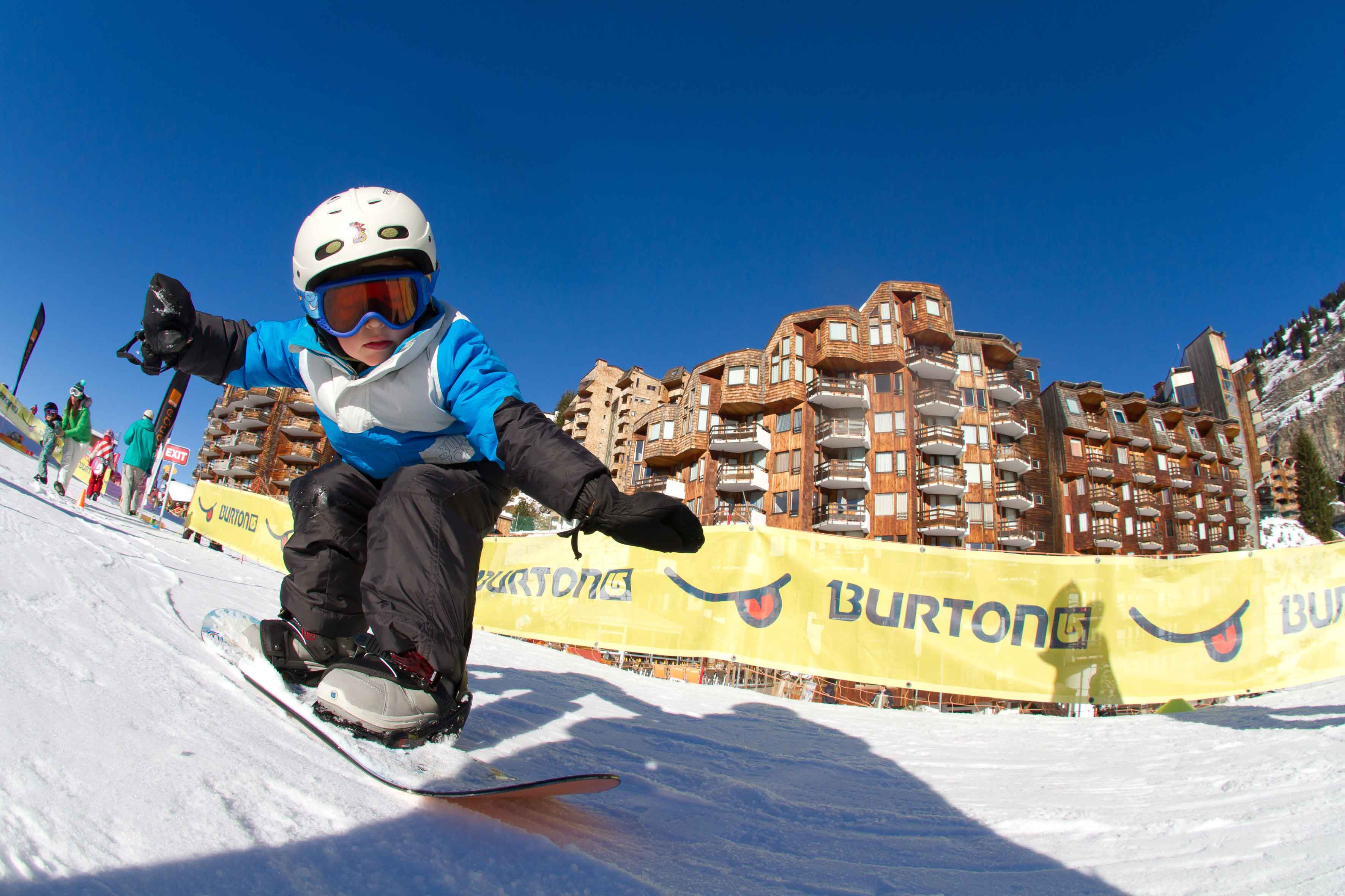 Learning to snowboard in family friendly Avoriaz