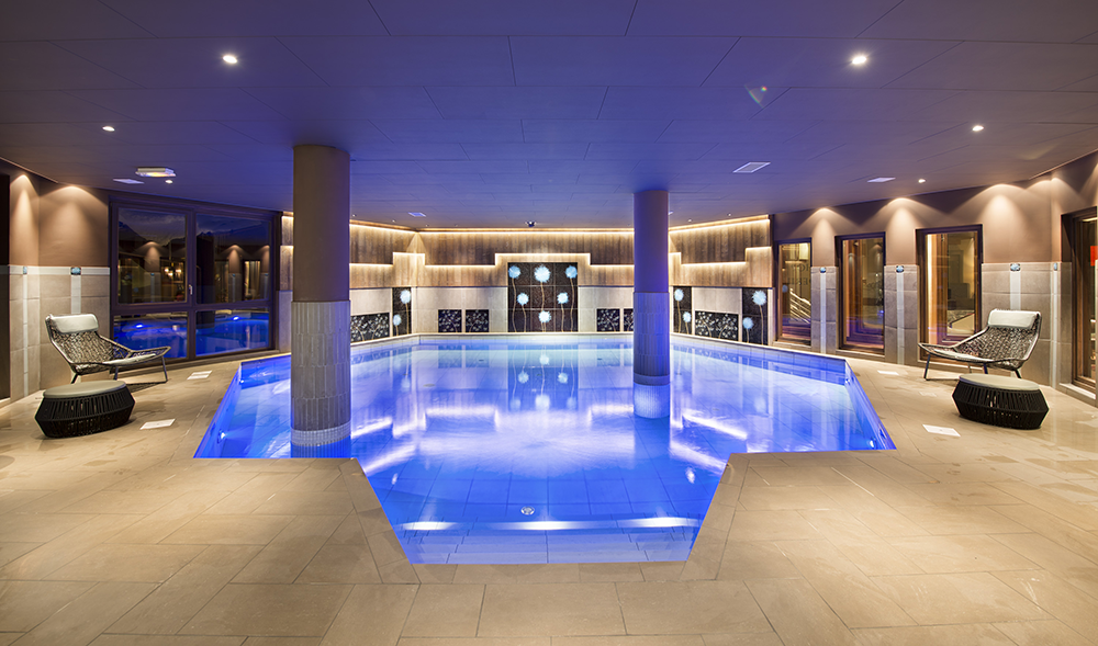Val thorens spa guide ultimate luxury in val thorens for Piscine val thorens